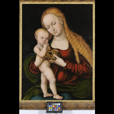 Lucas Cranach the Elder - Burg Eltz, Münstermaifeld - Virgin with child nibbling grapes - Overall